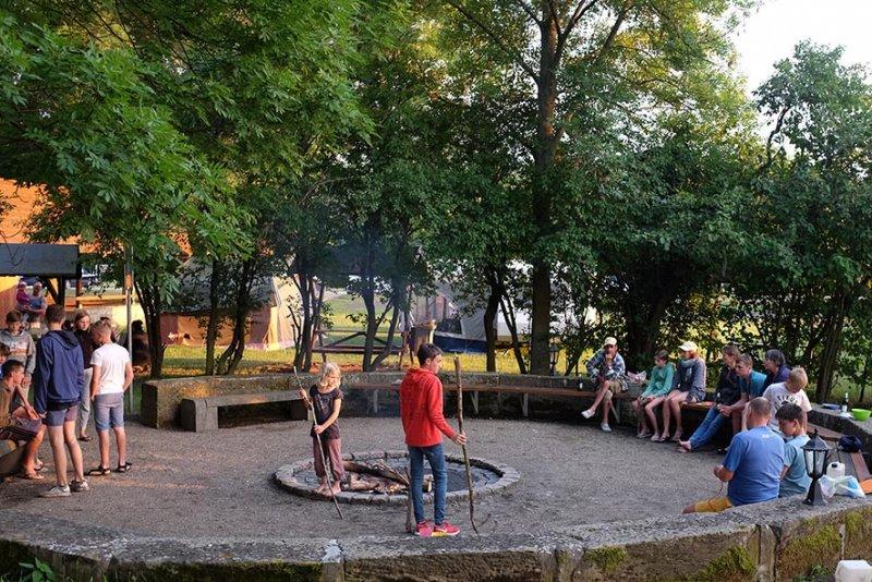 08-Abend-im-Camp-Bottendorf-12-10x15s