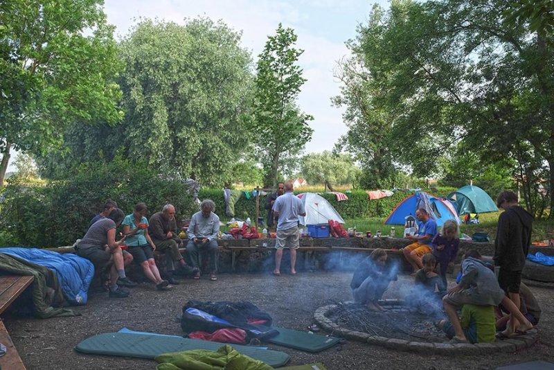 01-Morgen-im-Camp-Wassernühle-Bottendorf-01-10x15s