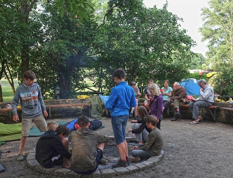 01-Morgen-im-Camp-Wassernühle-Bottendorf-05-10x13s