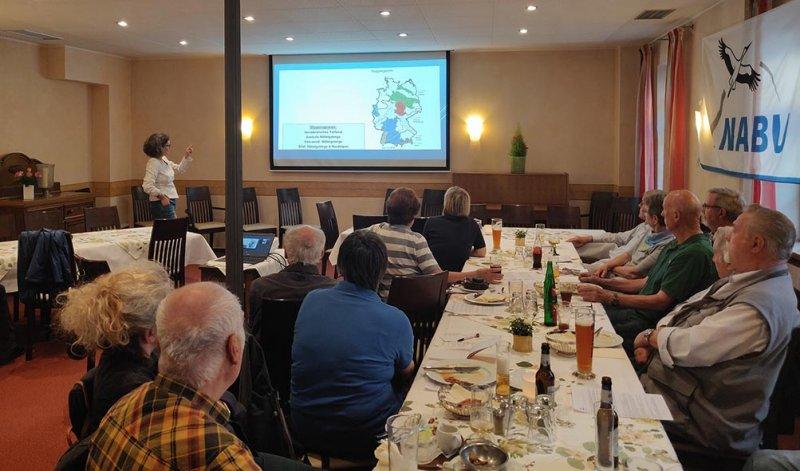 Vortrag-Artenvielfalt-im-und-am-Wasser-Anke-Uhl-07-10x17s