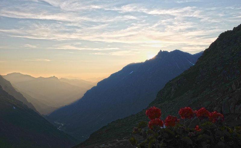 08-Abendstimmung-Terasse-Silvrettahütte-01-10x16s