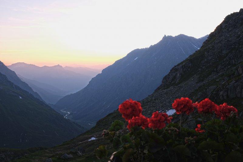 08-Abendstimmung-Terasse-Silvrettahütte-03-10x15