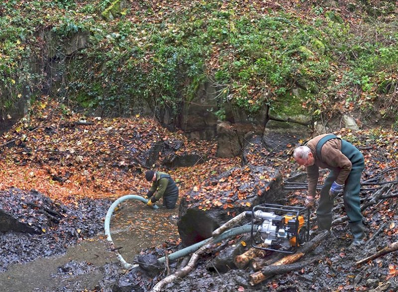 Wassersteinbruch-Abpumpen-Tino-05a-10x14s