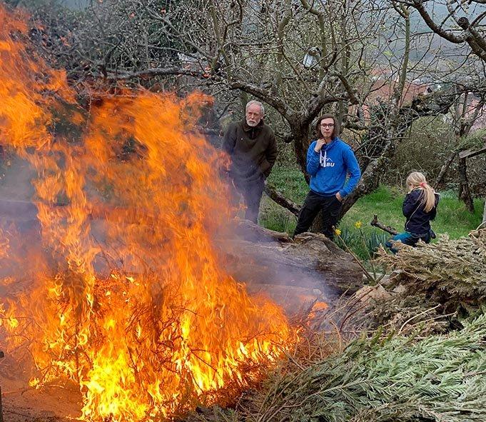 Winterverbrennung-73-Jan-und-Ecki-Foto-Silas-10x12s