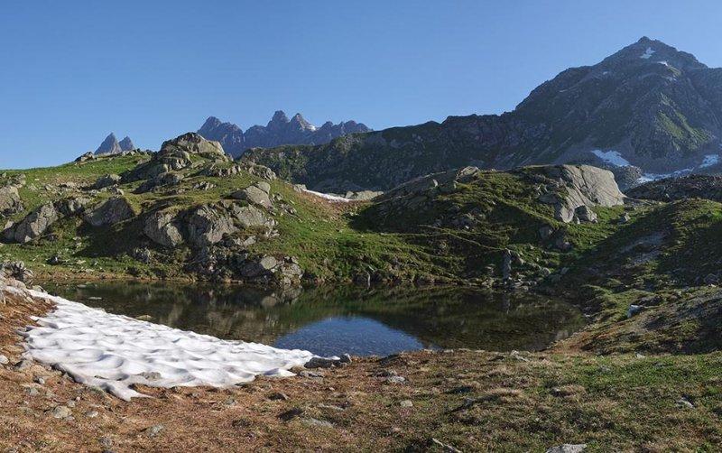 02-Aufstieg-zur-Talhornspitze-02-Badesee-10x16s