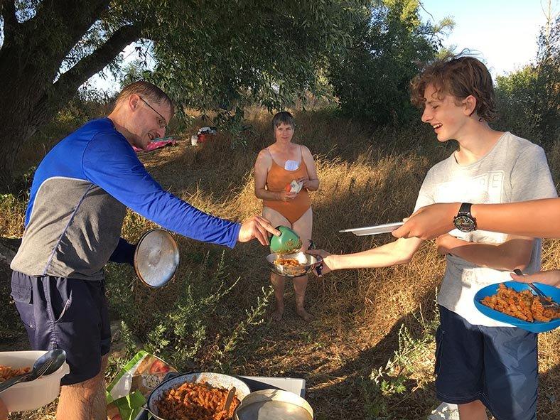 12 Essen fassen Camp Ranies 1