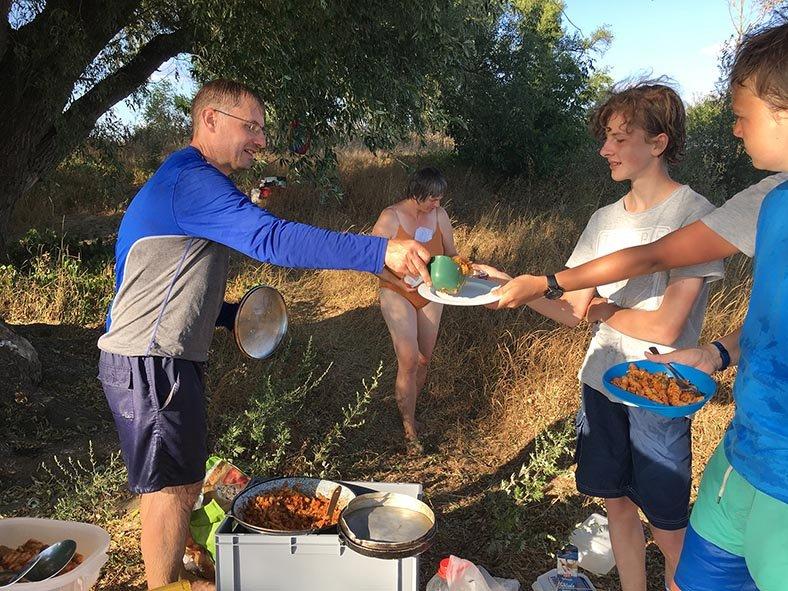 12 Essen fassen Camp Ranies 2