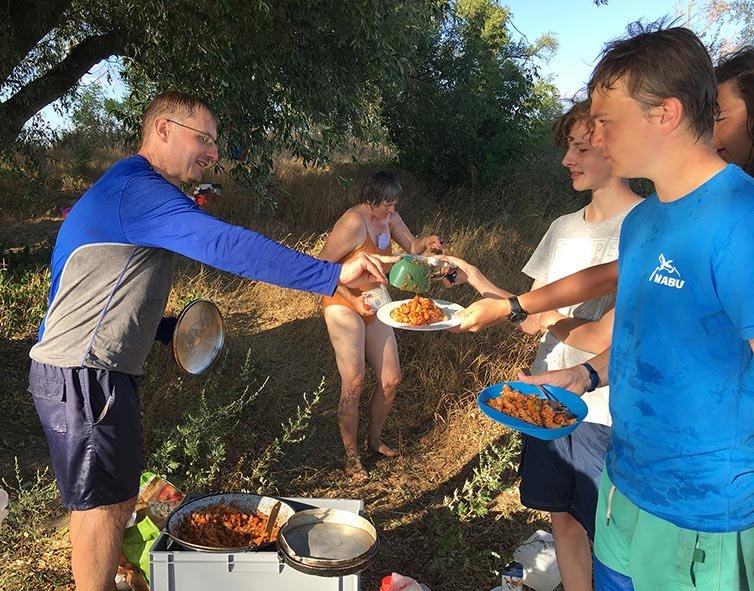 12 Essen fassen Camp Ranies 3