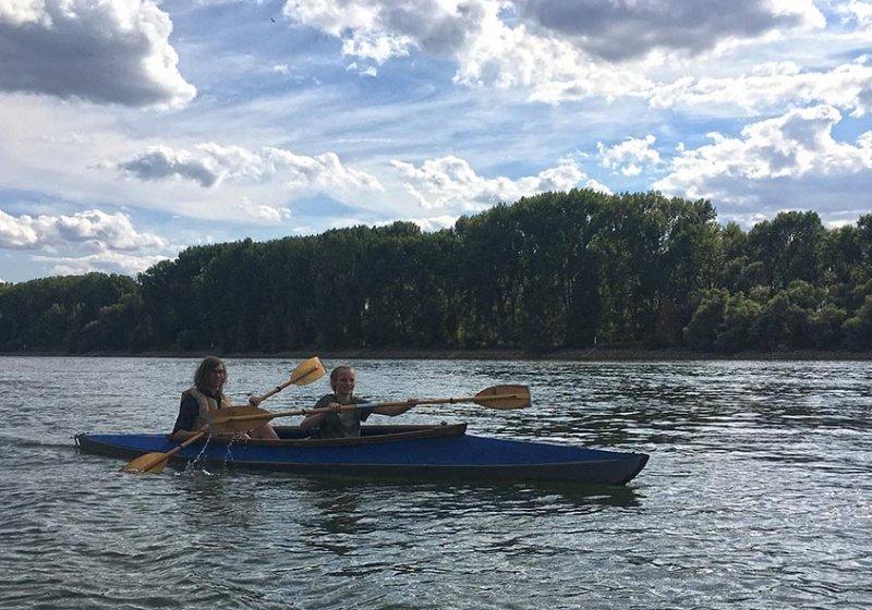 Jan im Faltboot auf dem Rhein 1
