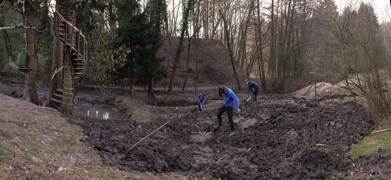 Erdarbeiten mit NAJUs auf den Etzwiesen 4 10x22s