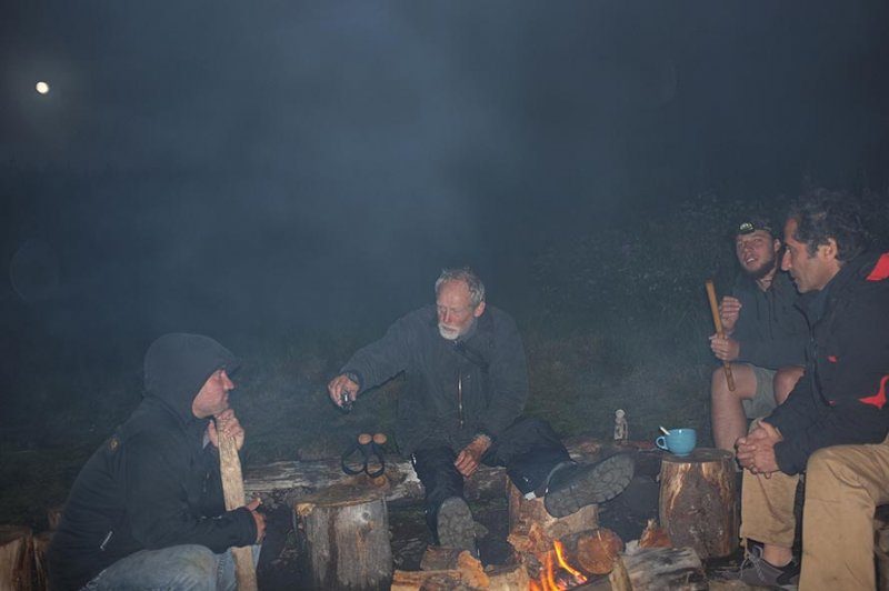 08 Abends am Lagerfeuer