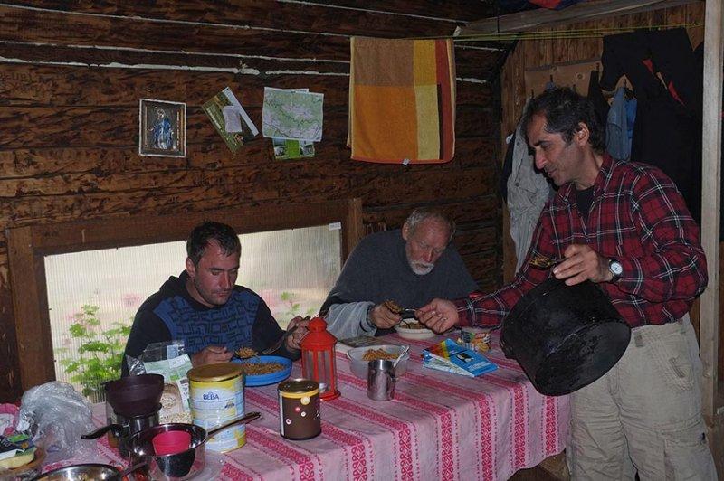 03 Frühstück in der Hütte Andrejcova