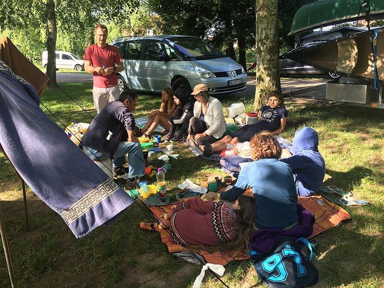 2 Frühstück Campingplatz 1 10x13s