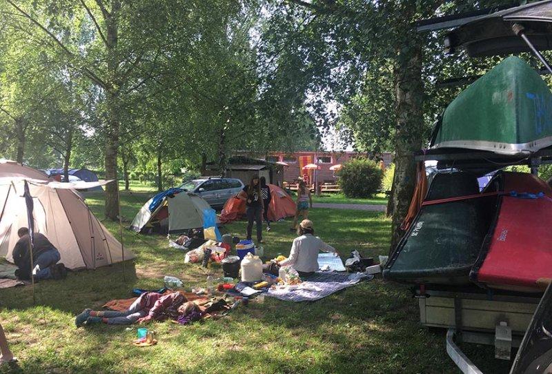 2 Frühstück Campingplatz 4 10x15s