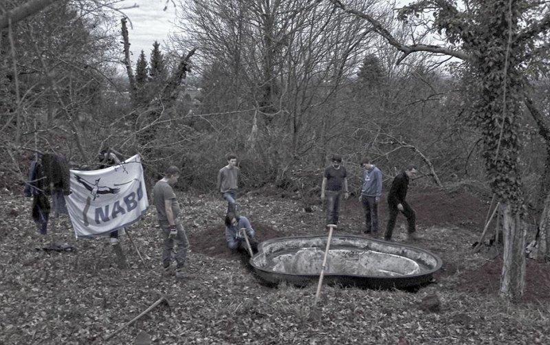 Aktion-Amphibienteich-Seeheimer-Blütenhang-14-10x16-sw-s