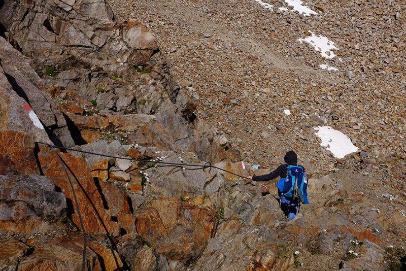 15 Abstieg vom Pass 2