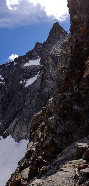 15 Abstieg vom Pass 3