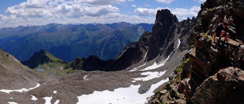 11 Blick zur Niederelbehütte