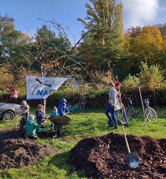 Aktionstag-Wühlmausgarten-Obstbaumscheiben-anlegen-10-10x11s