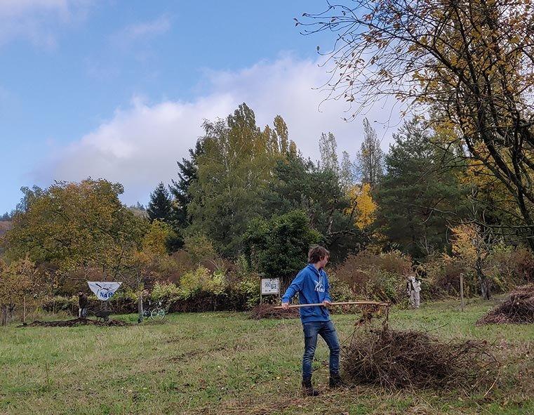 Aktionstag-Wühlmausgarten-Wiesenmahd-Bienenweide-21-10x13s