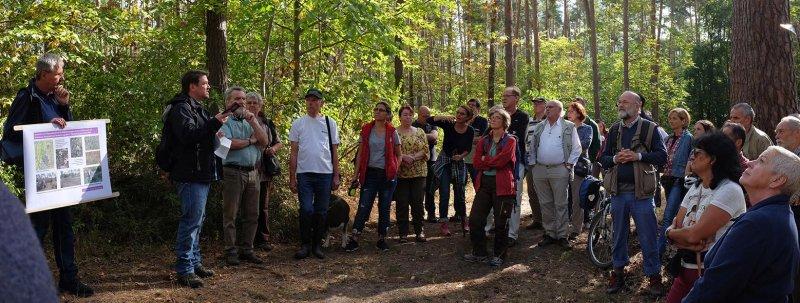 Pflegeeeinsatz im Seeheimer Wald - Rede Michael Stroh 16 10x26s
