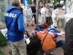 Protest gegen Maikäfer-Vergiftung